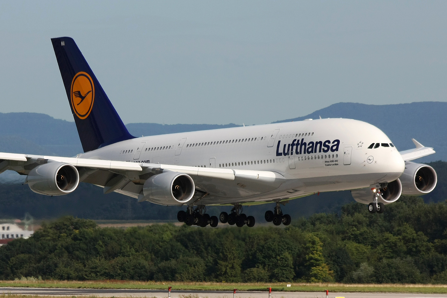 Lufthansa Cancels 912 Flights As Pilots Strike Enters Day 2