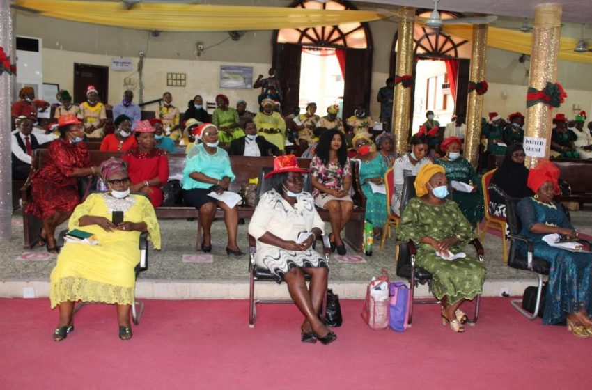 EDUCATION DISTRICT I HOLDS CAROL OF NINE LESSONS, COUNSELS STUDENTS ON GODLY ATTRIBUTES