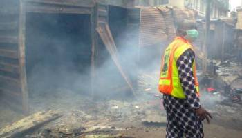 LAGOS FIRE SERVICE PREVENTS DESTRUCTION OF 23 WAREHOUSES IN IDDO/OTTO INFERNO