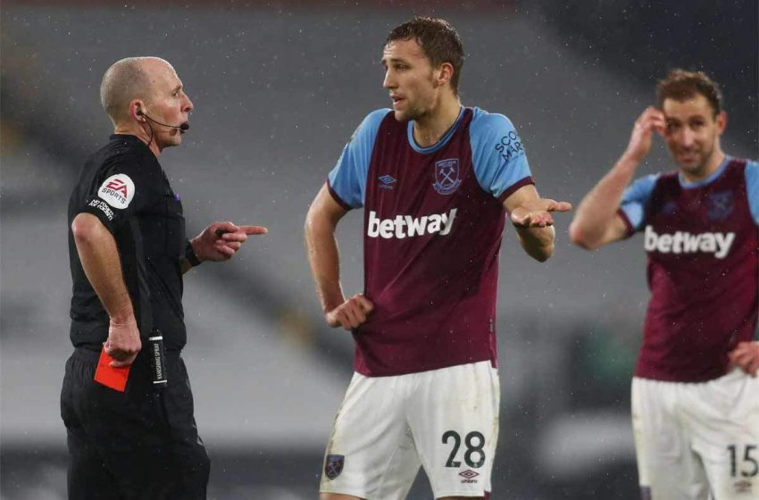 Premier League Ref. Mike Dean contacts police after death threats
