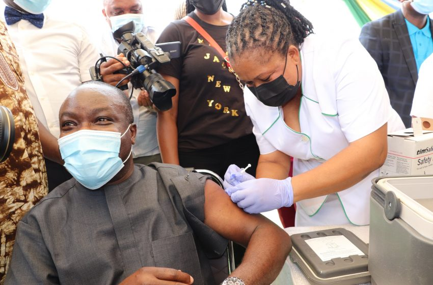 COVID19: LAGOS COMMENCES VACCINATION OF FRONTLINE HEALTH WORKERS, OTHERS