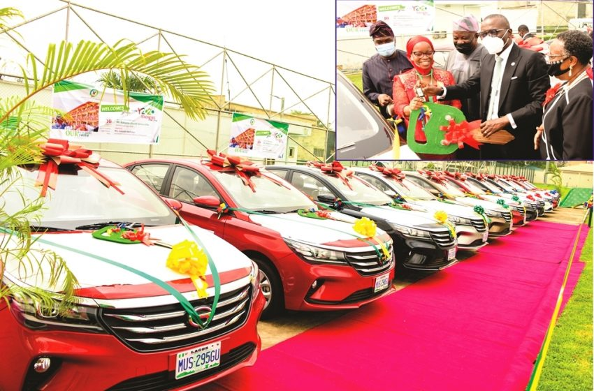 Governor Sanwo-olu Fulfills Promise Of Car Gifts To Outstanding Teachers