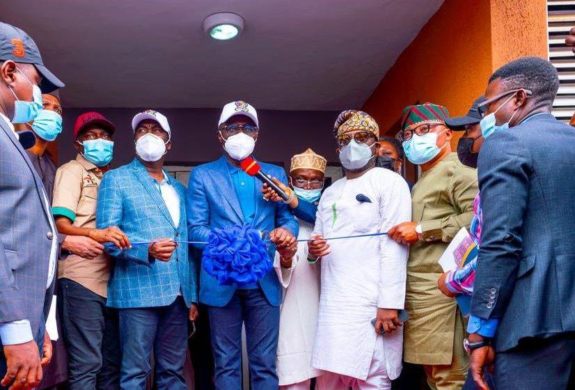 Sanwo-Olu Gifts Nollywood's Mama Awero Free Apartment, As Lagos Commissions 360 Housing Units In Ikorodu.