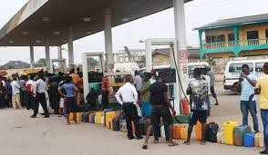 Nigerians Scramble for Fuel as Price Hike, Scarcity Spread.