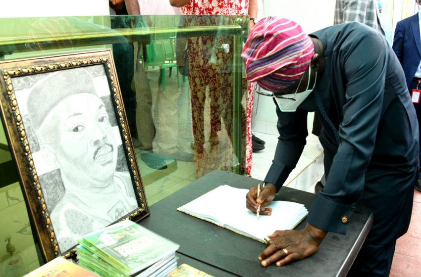 Governor  Sanwo-Olu Pays Condolence Visit To Family Of Late Yinka Odumakin At Omole, Lagos.