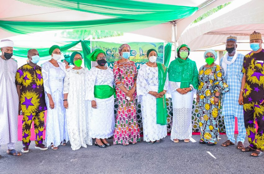 SANWO-OLU'S WIFE LEADS LAGOS WOMEN TO PRAY AGAINST INSECURITY IN NIGERIA