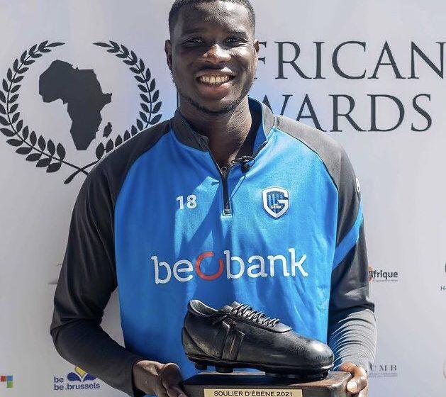 Paul Onuachu, Wins The Ebony Shoe Award As The Best Player Of African Origin In The Belgian Pro-league.