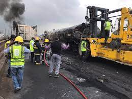Lagos-Ibadan Expressway: FG diverts traffic 72hrs to fix flyover Beam.