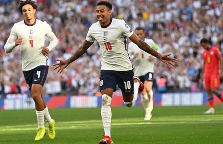 Manchester United: Jesse Lingard rejects New Deal.