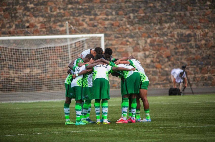 Nigeria maintain lead in Group C, beat Cape Verde 2-1.