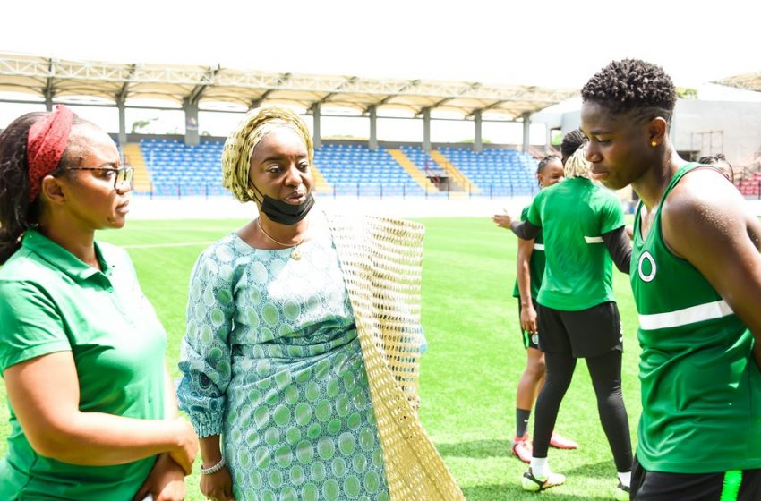 2022 WAFCON: LAGOS FIRST LADY PAYS SURPRISE VISIT TO SUPER FALCONS IN TRAINING